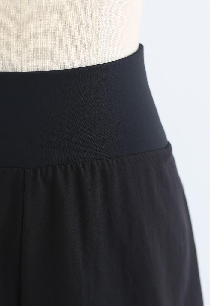 Crisscross Waist Sports Shorts in Black