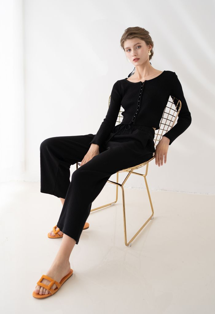 Ribbed Knit Buttoned Crop Top in Black